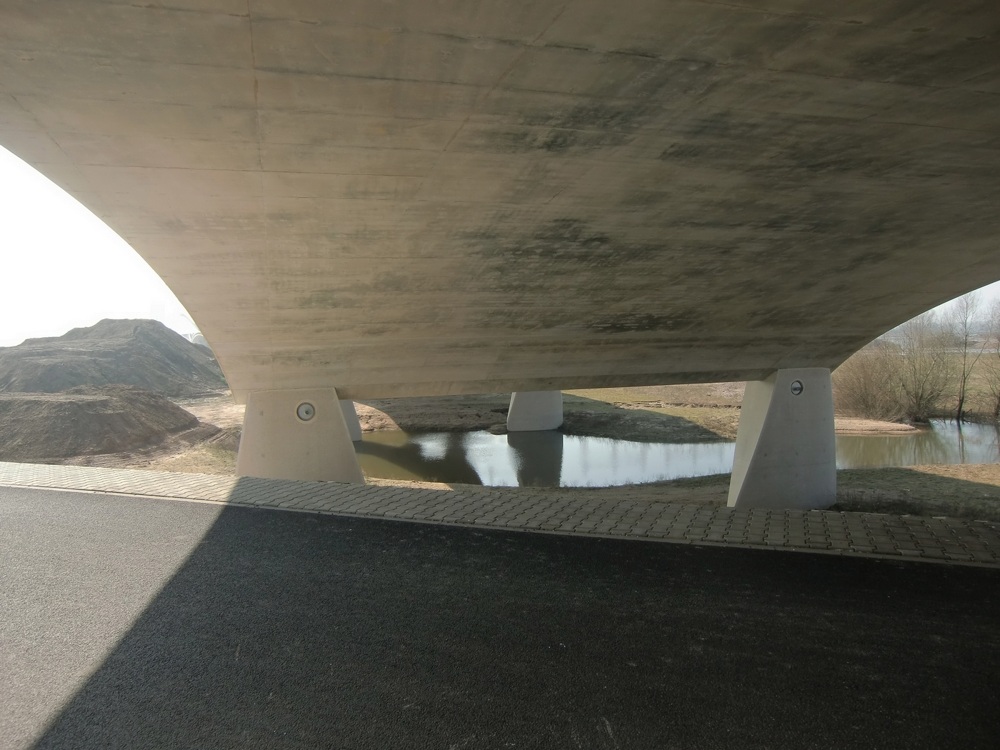 observations under the new bridges at Nijmegen