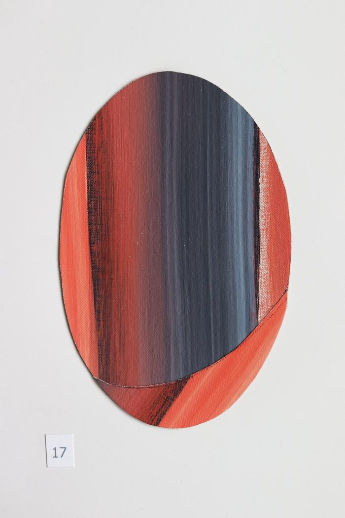 ovaal 17 [verkocht] - collage - 2020 - olieverf op linnen - 17x11cm